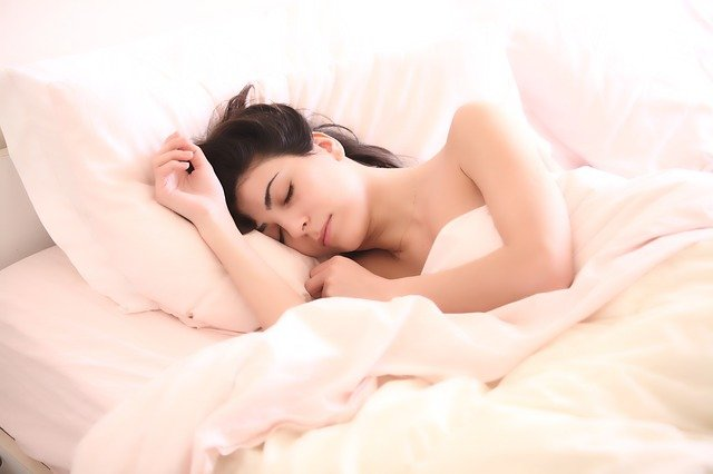 Dormire: perché ne hai bisogno e come farlo meglio